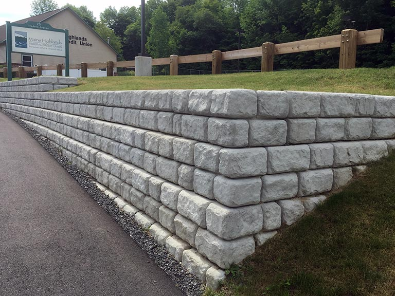 Block Retaining Wall Design Manual: Maine Redi-Scapes Supplier